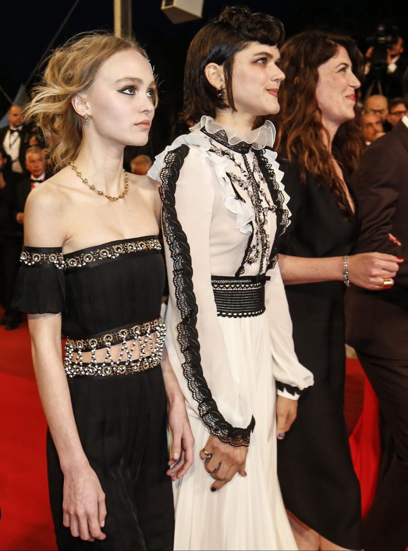 "Lily-Rose Depp i Soko na premierze filmu ""La danseuse"""