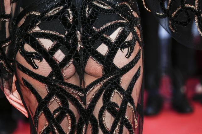 "Celebrytka i modelka Kendall Jenner błysnęła na premierze filmu ""Mal de Pierres"" (""From the Land of the Moon"")"