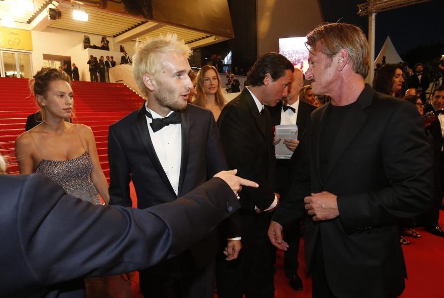 Sean Penn z synem Hopperem na premierze ich wspólnego dzieła
