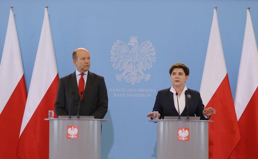 Minister zdrowia Konstanty Radziwiłł i premier Beata Szydło