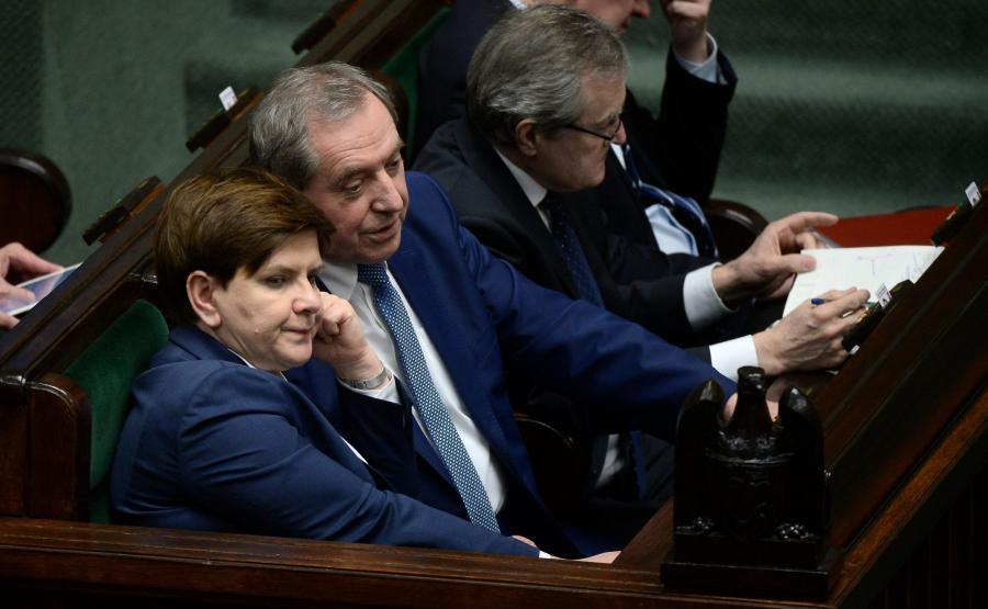 Premier Beata Szydło, szef Komitetu Stałego Rady Ministrów Henryk Kowalczyk i wicepremier, minister kultury Piotr Gliński