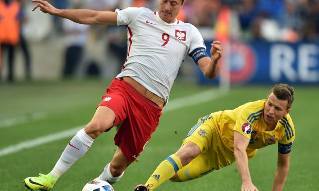 Tak polscy piłkarze zdobyli trzy punkty w meczu z Ukrainą i przypieczętowali awans. ZDJĘCIA