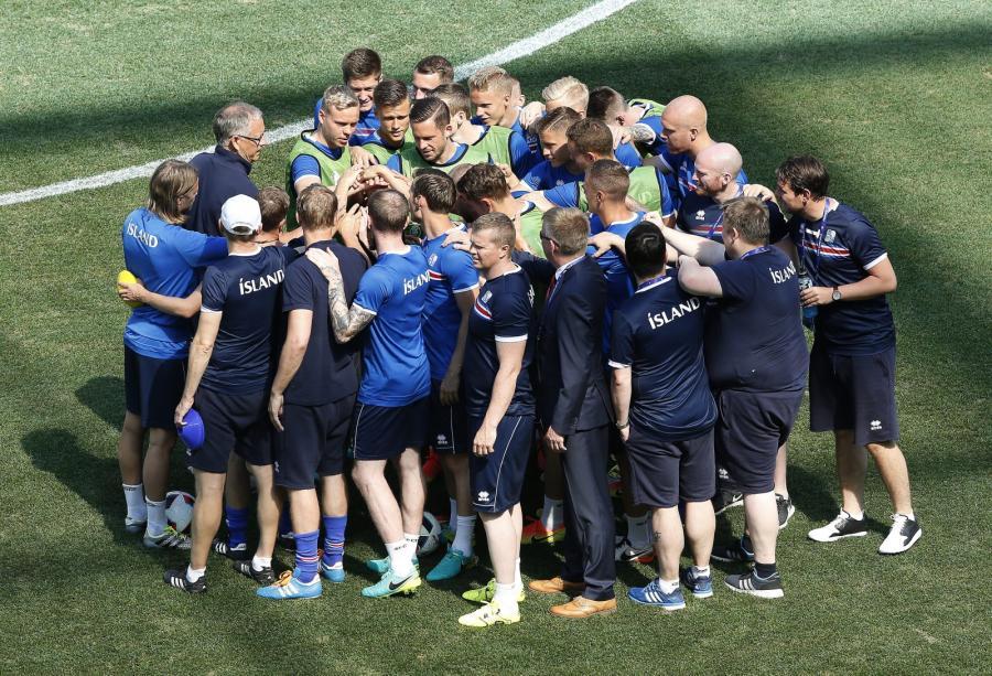 Lars Lagerbaeck i jego piłkarze