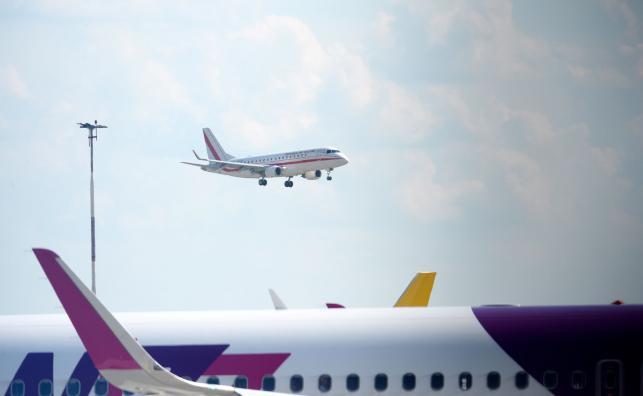 Samolot z polskimi piłkarzami