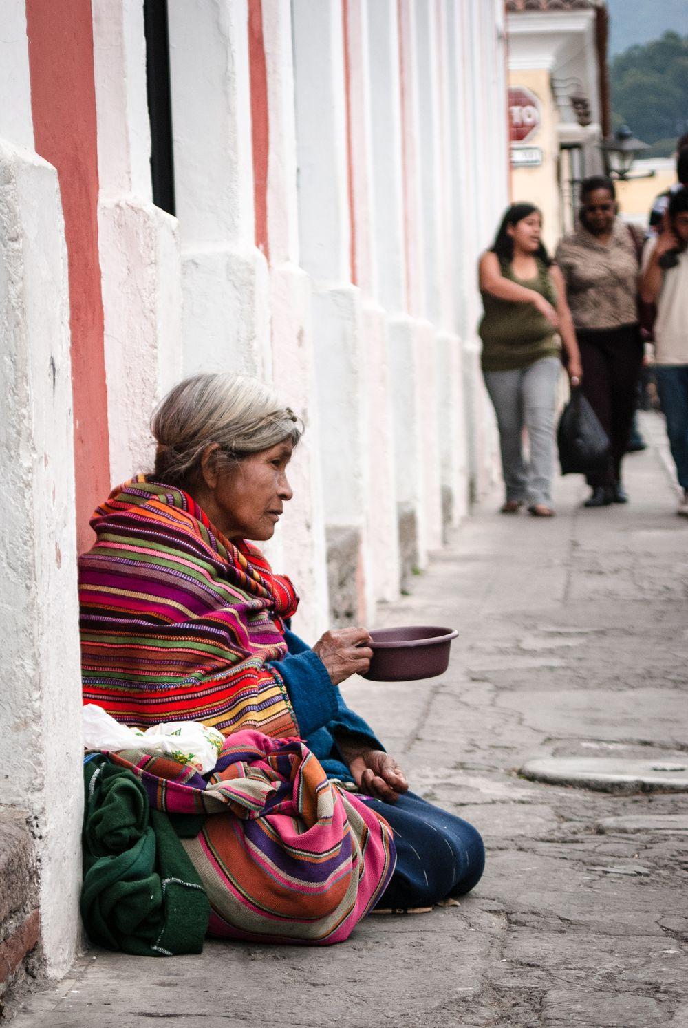 Indianka w Antigua, Gwatemala; fot. T. Bogusz / Pirania na kolację