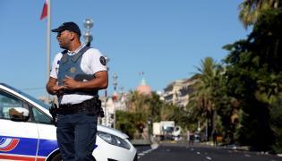 Francuski policjant w Nicei