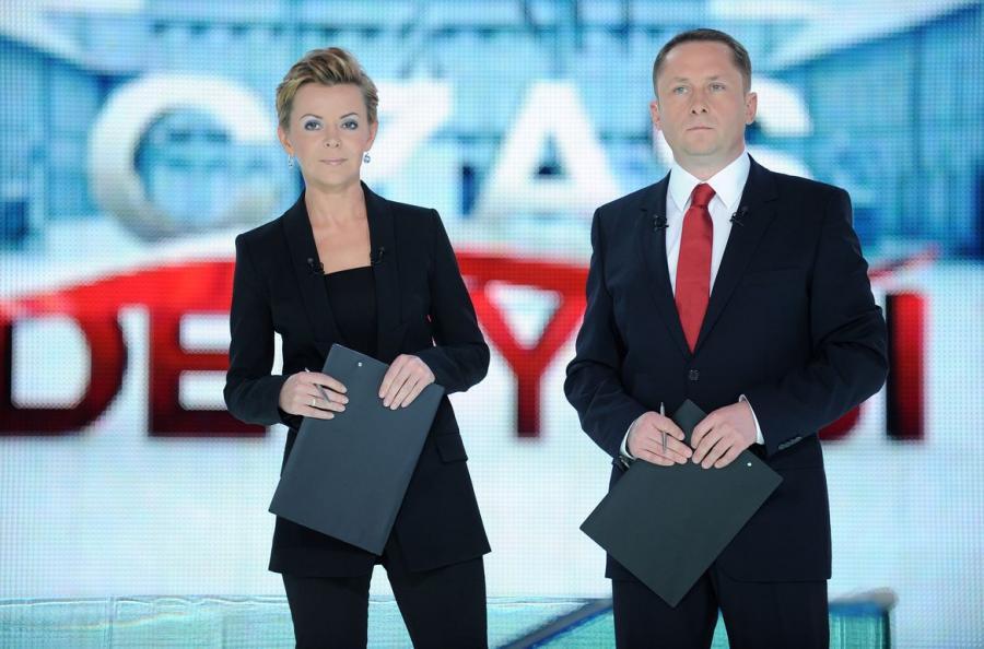 Justyna Pochanke i Kamil Durczok w studio wyborczym TVN24 podczas wyborów 2010 roku