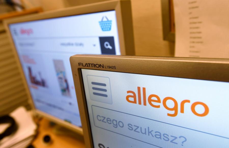 Portal serwisu aukcyjnego allegro.pl na ekranie komputera