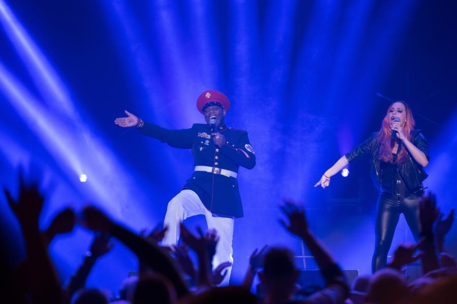 """Zespół Captain Jack podczas koncertu """"90s Live in Concert"""" w Ergo Arenie w Gdańsku"""