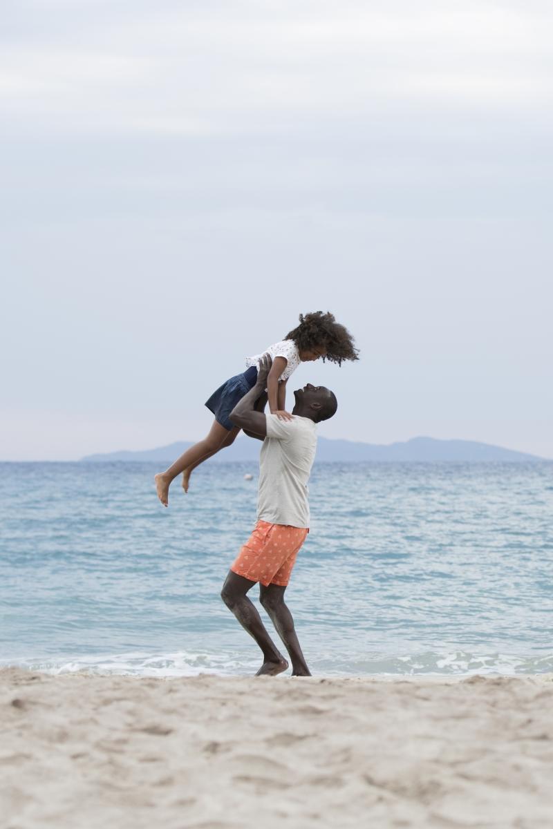 """""""Jutro będziemy szczęśliwi"""" z Omarem Sy w kinach od 17 marca 2017 roku"""