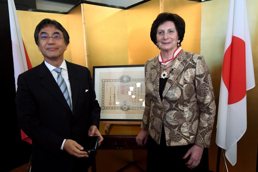Irena Szewińska i ambasador Japonii Shigeo Matsutomi
